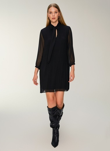 NGSTYLE Piliseli Şifon Elbise Siyah